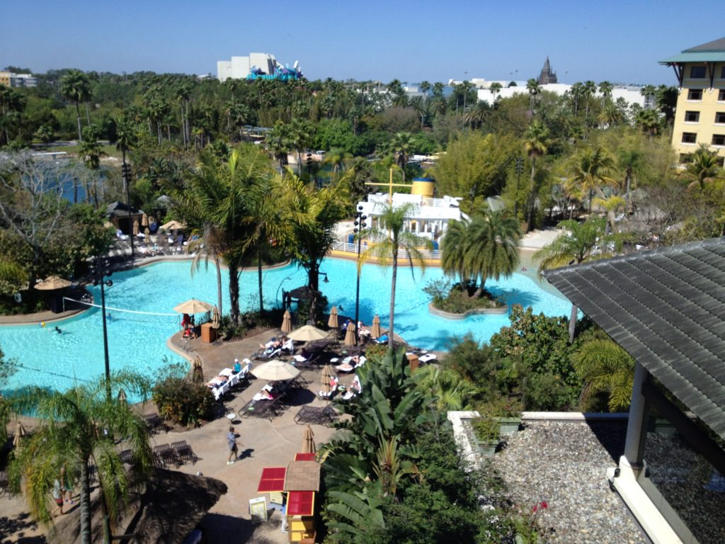 Loews Royal Pacific Resort - Swimming Pool #universalorlando #lowesroyalpacificresort #florida #orlando